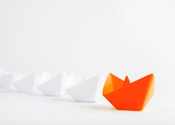 Seitenhintergrund Papierschiffe